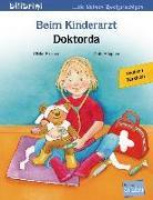 Cover-Bild zu Beim Kinderarzt. Deutsch-Türkisch von Fischer, Ulrike