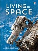 Cover-Bild zu Bowman, Lucy: Living in Space