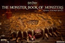 Cover-Bild zu Revenson, Jody: Harry Potter - The Monster Book of Monsters