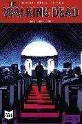 Cover-Bild zu Kirkman, Robert: The Walking Dead Softcover 13