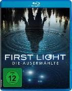Cover-Bild zu Stefanie Scott (Schausp.): First Light - Die Auserwählte