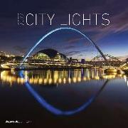 Cover-Bild zu City Lights 2022 - Broschürenkalender 30x30 cm (30x60 geöffnet) - Kalender mit Platz für Notizen - Bildkalender - Wandplaner - Alpha Edition von ALPHA EDITION (Hrsg.)