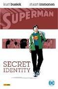 Cover-Bild zu Busiek, Kurt: Superman: Secret Identity