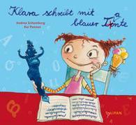Cover-Bild zu Schomburg, Andrea: Klara schreibt mit blauer Tante