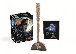 Cover-Bild zu Harry Potter Hermione's Wand with Sticker Kit