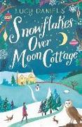 Cover-Bild zu Daniels, Lucy: Snowflakes over Moon Cottage