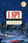 Cover-Bild zu Marzollo, Jean: I Spy a Skeleton