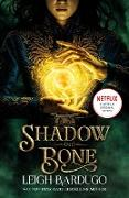 Cover-Bild zu Shadow and Bone: Now a Netflix Original Series (eBook) von Bardugo, Leigh