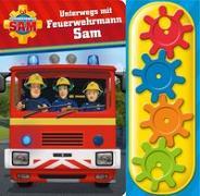 Cover-Bild zu Phoenix International Publications Germany GmbH (Hrsg.): Feuerwehrmann Sam - Unterwegs mit Feuerwehrmann Sam - Interaktives Pappbilderbuch mit 4 Zahnrädern und 5 Geräuschen für Kinder ab 3 Jahren
