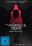 Cover-Bild zu McCarthy, Nicholas: At the Devils Door