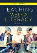 Cover-Bild zu De Abreu, Belinha S.: Teaching Media Literacy (eBook)
