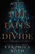 Cover-Bild zu Fates Divide (Carve the Mark, Book 2) (eBook) von Roth, Veronica