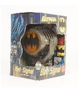Cover-Bild zu Manning, Matthew K.: Batman: Metal Die-Cast Bat-Signal