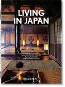Cover-Bild zu Kerr, Alex: Living in Japan. 40th Ed