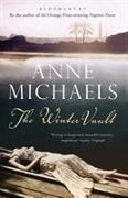 Cover-Bild zu The Winter Vault von Michaels, Anne