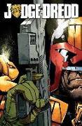 Cover-Bild zu Swierczynski, Duane: Judge Dredd Volume 1