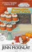 Cover-Bild zu Pumpkin Spice Peril (eBook) von Mckinlay, Jenn