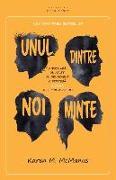 Cover-Bild zu Unul Dintre Noi Minte von McManus, Karen M.