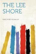 Cover-Bild zu The Lee Shore von Macaulay, Dame Rose
