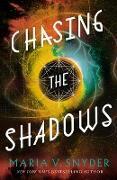 Cover-Bild zu Chasing the Shadows (Sentinels of the Galaxy, #2) (eBook) von Snyder, Maria V.