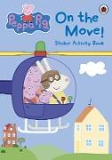 Cover-Bild zu Peppa Pig: On the Move! Sticker Activity Book von Peppa Pig