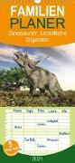 Cover-Bild zu Stanzer, Elisabeth: Dinosaurier. Urzeitliche Giganten - Familienplaner hoch (Wandkalender 2021 , 21 cm x 45 cm, hoch)