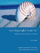 Cover-Bild zu Macmillan Books for Teachers / Teaching English Grammar von Scrivener, Jim