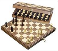 Cover-Bild zu Schachkassette Walnuss medium