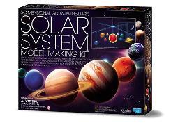 Cover-Bild zu Solar System Mobile Making Kit