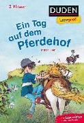 Cover-Bild zu Duden Leseprofi - Ein Tag auf dem Pferdehof, 2. Klasse von Klein, Martin