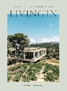 Cover-Bild zu Living In
