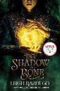Cover-Bild zu Shadow and Bone von Bardugo, Leigh