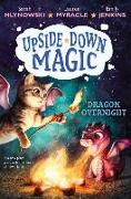 Cover-Bild zu Mlynowski, Sarah: Dragon Overnight (Upside-Down Magic #4), 4