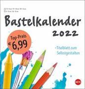 Cover-Bild zu Bastelkalender weiß mittel 2022 von Heye (Hrsg.)