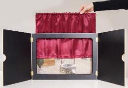 """Cover-Bild zu Vorhang """"Mein Kamishibai"""" aus rotem Satin, geschmeidig und hochglänzend: Sorgt für authentische Theateratmosphäre oder Kinoflair von Don Bosco Medien, Redaktionsteam (Hrsg.)"""