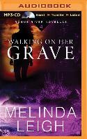 Cover-Bild zu Walking on Her Grave von Leigh, Melinda