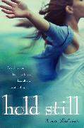 Cover-Bild zu Hold Still von Lacour, Nina
