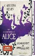 Cover-Bild zu Die Chroniken von Alice - Dunkelheit im Spiegelland von Henry, Christina