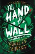 Cover-Bild zu The Hand on the Wall von Johnson, Maureen