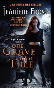 Cover-Bild zu Frost, Jeaniene: One Grave at a Time