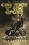Cover-Bild zu Frost, Jeaniene: One Foot in the Grave