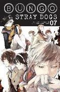 Cover-Bild zu Bungo Stray Dogs, Vol. 7 von Kafka Asagiri