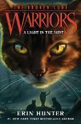 Cover-Bild zu Warriors: The Broken Code #6: A Light in the Mist (eBook) von Hunter, Erin