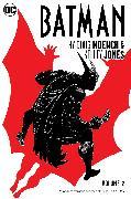 Cover-Bild zu Moench, Doug: Batman by Doug Moench & Kelley Jones Vol. 2