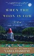 Cover-Bild zu When the Moon Is Low von Hashimi, Nadia