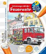 Cover-Bild zu tiptoi® Unterwegs mit der Feuerwehr von Flucht, Daniela