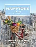 Cover-Bild zu The Hamptons Kitchen: 100 Recipes Pairing Land and Sea von Davis, Hillary