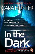Cover-Bild zu In The Dark (eBook) von Hunter, Cara