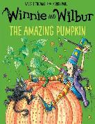 Cover-Bild zu Thomas, Valerie: Winnie and Wilbur: The Amazing Pumpkin