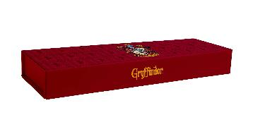 Cover-Bild zu Insight Editions: Harry Potter: Gryffindor Magnetic Pencil Box